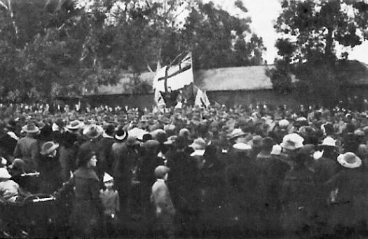 armistice-service-at-hall-farm